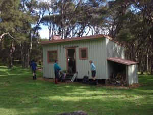 Mangatoetoe Hut 2