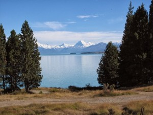 Aoraki Mt Cook above Lake Pukaki
