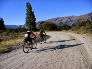 Morning ride to Wanaka; Julie and Steve