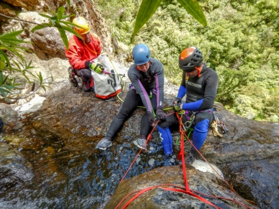 setting up abseil anchors for canyoning