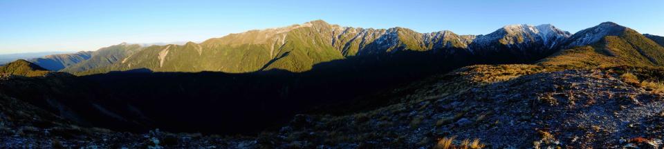 Panoramic view of Sawtooth Ridge