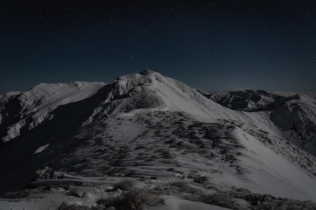 Mt Holdsworth in moonlight