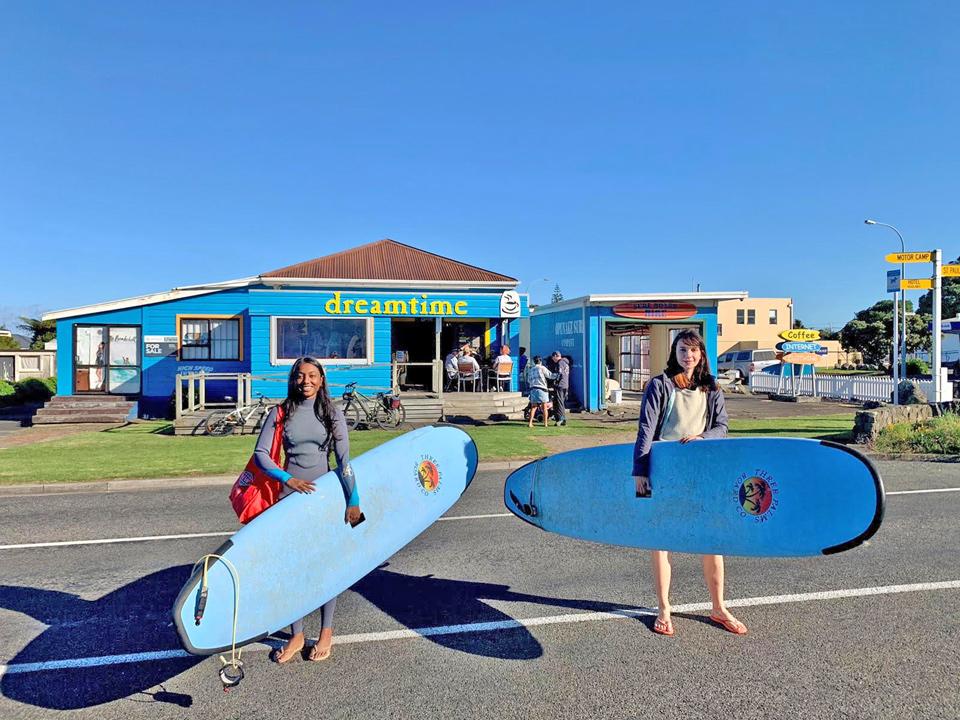 Taranaki surfing